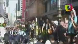 Más de cien detenidos en un nuevo desalojo de protestas en Hong Kong Video: