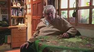 """Mujica deja huella: """"el presidente más pobre del mundo"""" Video:"""