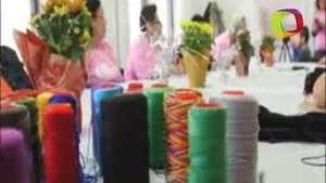 Sobrevivientes de cáncer latinas celebran Acción de Gracias con artesanía Video: