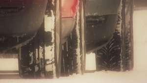 Neumáticos de invierno, a prueba de nieve y hielo Video:
