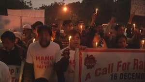 Manifestantes marcan 2do aniversario de violación tumultaria a estudiante Video: