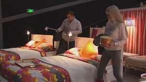 Cinéfilos pueden acostarse en el cine sobre una cama Video: