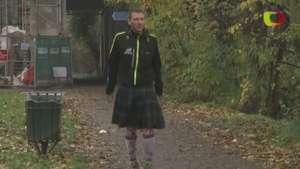 Hombre corre una maratón diaria Video: