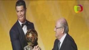 Cristiano Ronaldo engrandece su leyenda con la 'triple corona' Video: