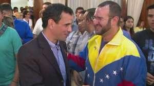 Oposición se reagrupa en Venezuela frente a crisis Video: