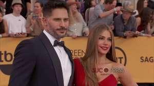 Sofía Vergara luce anillo de compromiso en la alfombra roja Video: