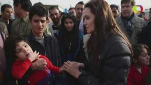 Angelina Jolie visita a desplazados en Irak Video: