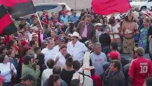 En Honduras : Miles piden renuncia del presidente Video: