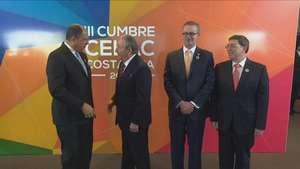 Raúl Castro pide a EEUU fin del bloqueo a Cuba Video: