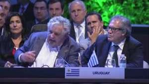 Aplauden a Mujica en la Celac por su defensa de 'la política' Video:
