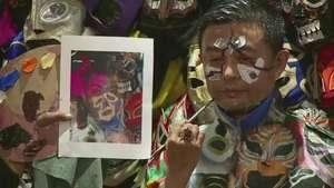 El rey del camuflaje llega a México Video: