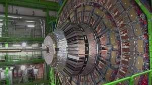 CERN enfoca acelerador de hadrones hacia nuevos experimentos Video: