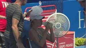 Sharapova sufre con el calor de Acapulco Video: