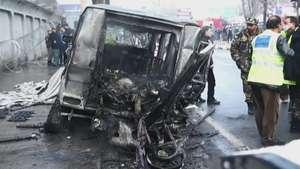Ataque talibán deja 2 muertos en Kabul Video: