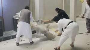 Estado Islámico destruye reliquias en museo de Irak Video: