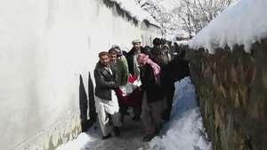 Más de 200 muertos por aludes en Afganistán Video: