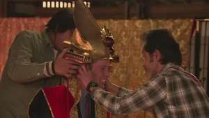 El príncipe Guillermo se viste de samurái Video: