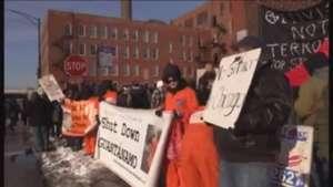 Piden investigar abusos policiales en centro de detención en Chicago Video: