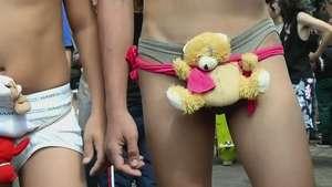 Medellín se quita los pantalones Video:
