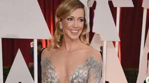 Katie Cassidy Stuns at the Oscars Video: