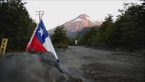 Baja actividad de volcán Villarrica en Chile Video: