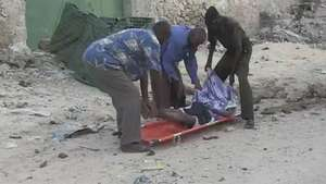 Mortal atentado en hotel de Somalia Video: