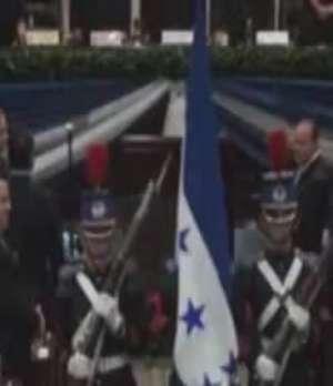 Presidente de Honduras presenta informe de gobierno Video: