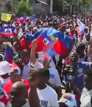 Haitianos protestan contra racismo en República Dominicana Video: