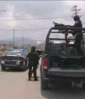 México: Descubren tres cadáveres en Guerrero Video: