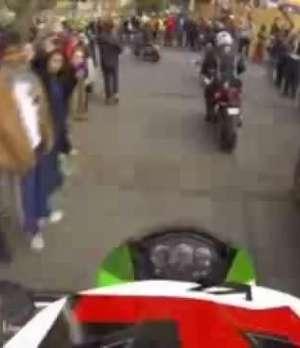 Más de 200 motociclistas despiden a Carlo de Gavardo Video: