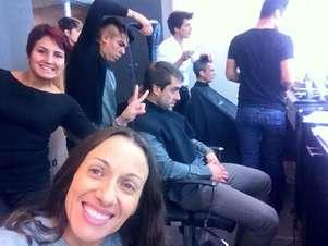 Katyna dejó de ser rubia, Álvaro olvidó los visos y Pablo las canas. Foto: Reproducción twitter.