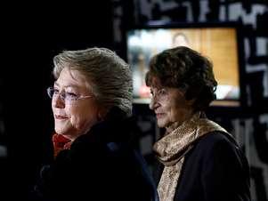 Michelle Bachelet junto a su madre Angela Jeria Foto: Agencia Uno