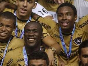 Seedorf llegó a Brasil en 2012. Foto: Especial