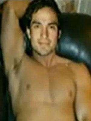 Poncho Herrera desnudo. Foto: Terra Networks México S.A. de C.V.