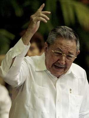 El presidente cubano Raúl Castro habla durante el VI Congreso del Partido Comunista, el sábado 16 de abril del 2011  Foto: Javier Galeano) / AP