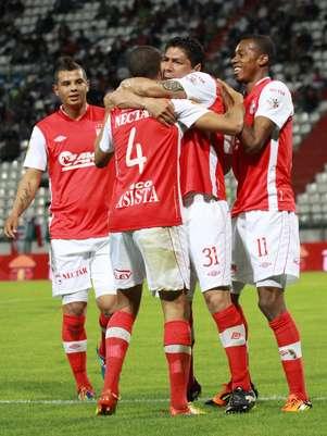 Independiente Santa Fe en su último partido empató con Once Caldas a dos goles en Manizales. Foto: John Jairo Bonilla