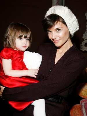 Katie Holmes y su pequeña hija Suri. Foto: Getty Images