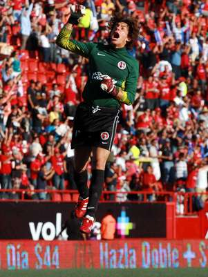 Cirilo Saucedo celebrates as Tijuana takes the lead. Foto: Mexsport