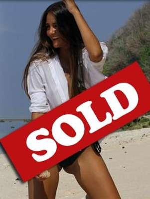La página de internet virginswanted.com.au publica fotos de 'Catarina' con la mención 'vendida'. Foto: Virgins Wanted