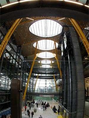 Vista general de la T 4 del aeropuerto de Madrid-Barajas Foto: EFE en español