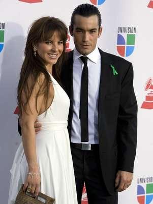 Kate del Castillo y Aarón Díaz ya están divorciados  Foto: Mezcal