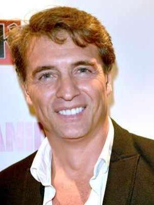 Foto: Juan Soler firma contrato exclusivo con la cadena Telemundo / Mezcalent / Terra