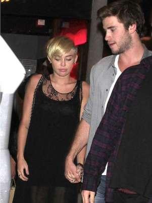 Miley Cyrus y Liam Hemsworth Foto: BangShowBiz / BangShowBiz