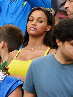 Balotelli's girlfriend has been in the stands for all his games. Foto: Getty Images