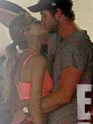 Liam Hemsworth y Eiza González fueron fotografiados in fraganti. Foto: E! News