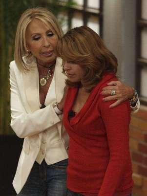 """Laura Bozzo dijo que, a diferencia de Galilea, ella no es """"ni reina ni nada de Televisa, sólo amiga de la gente"""". Foto: Clasos"""