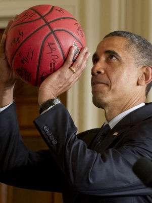 Obama es fanático del básquetbol Foto: AFP