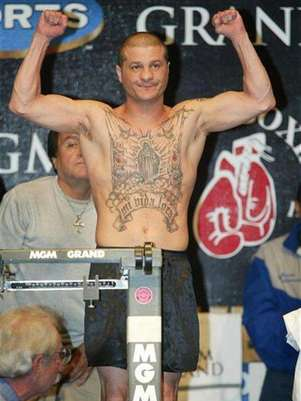 Featherweight boxer Johnny Tapia of Albuquerque, New Mexico, died of heart failure in May. Foto: Files / Reuters In English