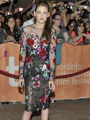 Kristen Stewart da la cara en el Festival de Cine de Toronto y estuvo acompañada de James Franco Foto: Reuters