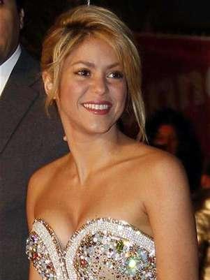 Imagen de archivo de la cantante colombiana Shakira a su llegada a la entrega de premios NRJ en Cannes, Francia, ene 28 2012. La cantante colombiana Shakira dijo el miércoles que está esperando su primer hijo con el futbolista español Gerard Piqué. Foto: Eric Gaillard / Reuters en español